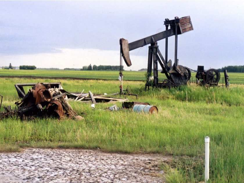 Industry Gets $173 Million Loan to Clean Up Abandoned Canadian Wells
