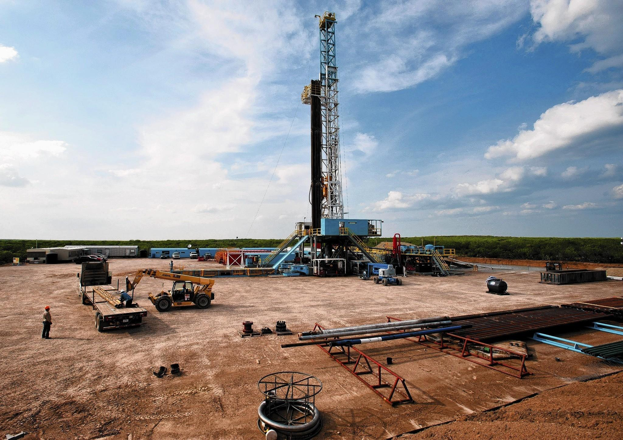 Effective Rig Count Exceeds 2,000 for the First Time
