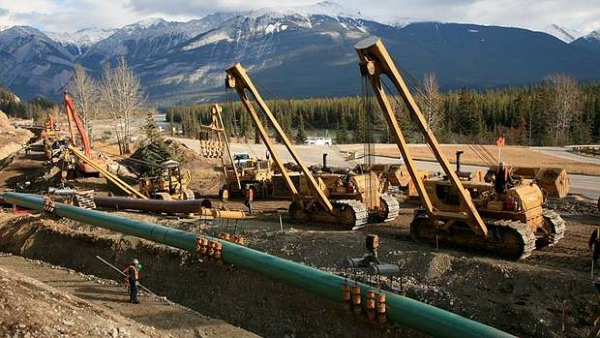 Kinder Morgan Signs Contracts for Trans Mountain Expansion