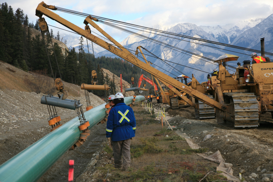 British Columbia Wants Gas Exports, Not Oil Pipelines