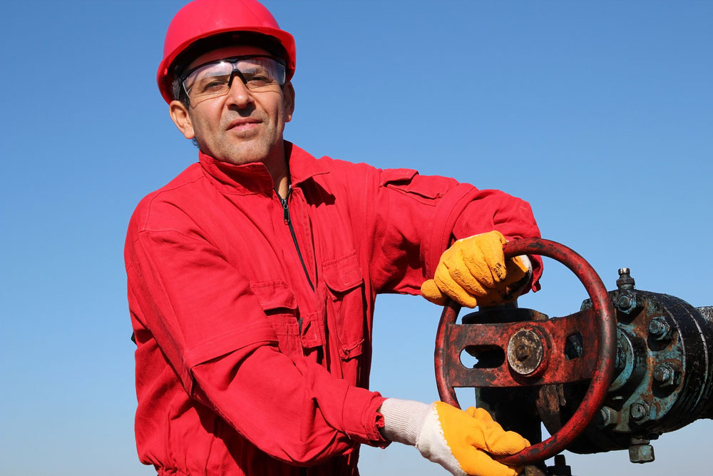 6 Oilfield Jobs that don't Require a College Degree