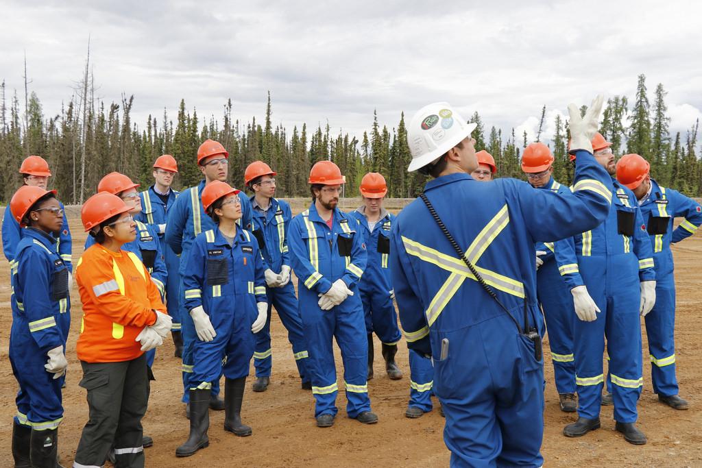 Cenovus Energy to Axe 500-700 jobs in 2018