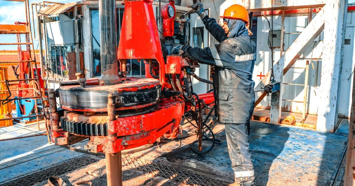 Oil & Gas, Skilled Trades Face Labor Shortage as Prices Climb, Rig Activity Ramps up
