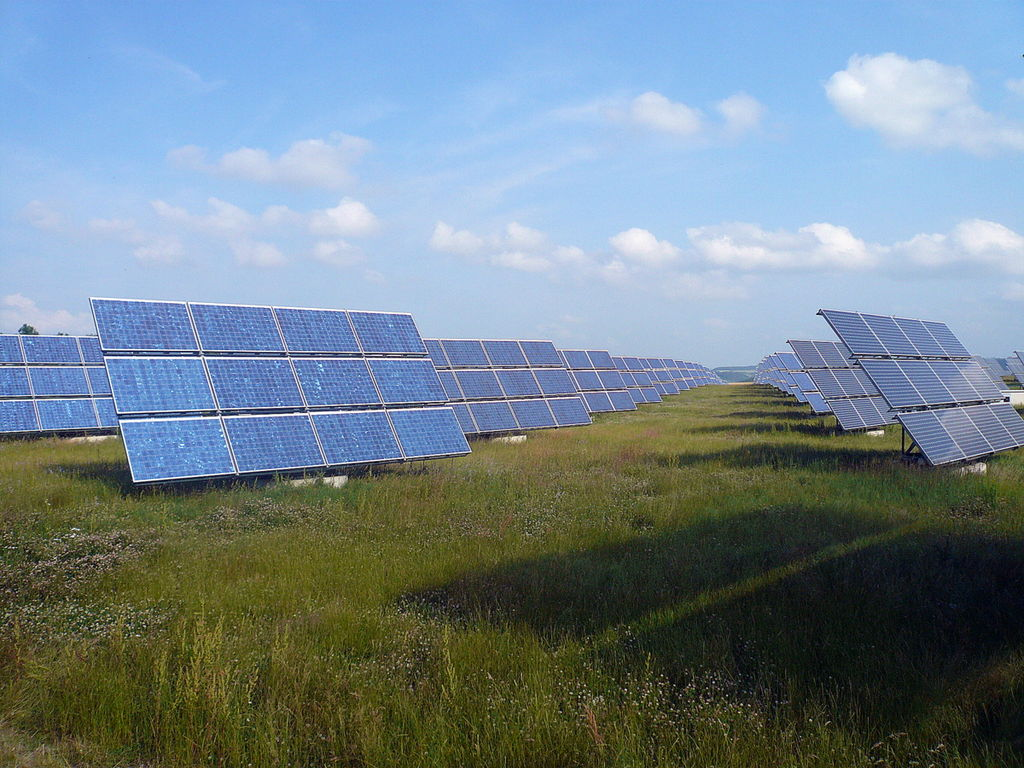 Solar Company Offers 800 New Jobs to Jacksonville