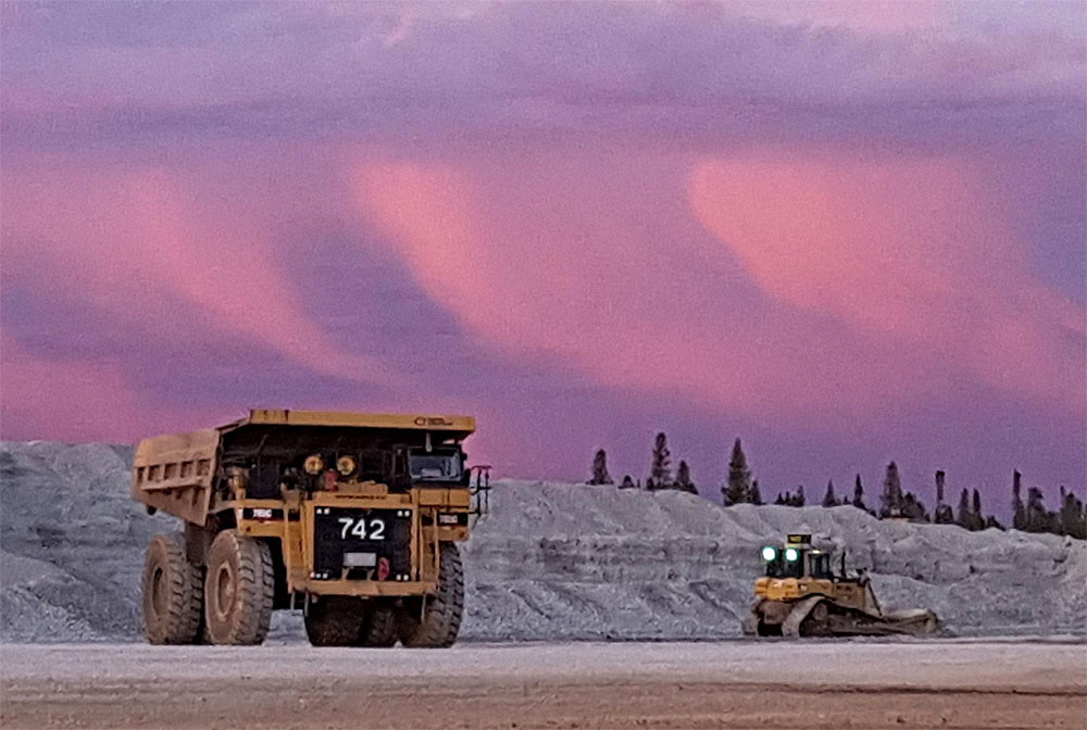100+ Haul truck, Grader, Dozer, Excavator Operators & Skiller Labourers Needed