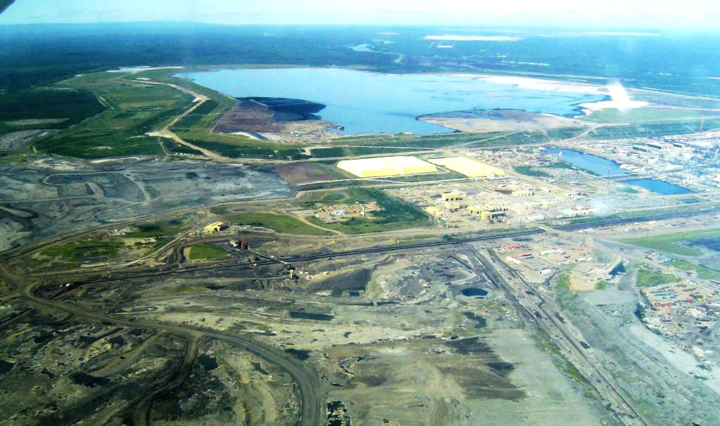 340 Billion Gallons of Sludge Spur Tailings Pond Battle in Canada