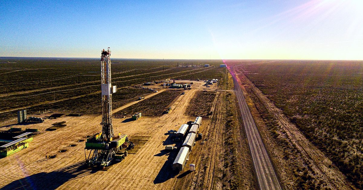 The Best Paying Oil Pipeline Jobs in the US (Up to $190k/yr)