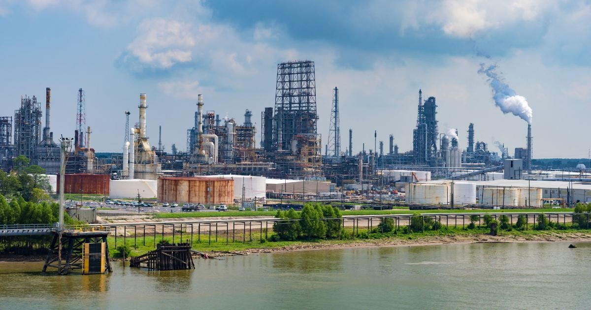 How to Find Entry-Level Oilfield, Pipeline & Refinery Jobs in Louisiana