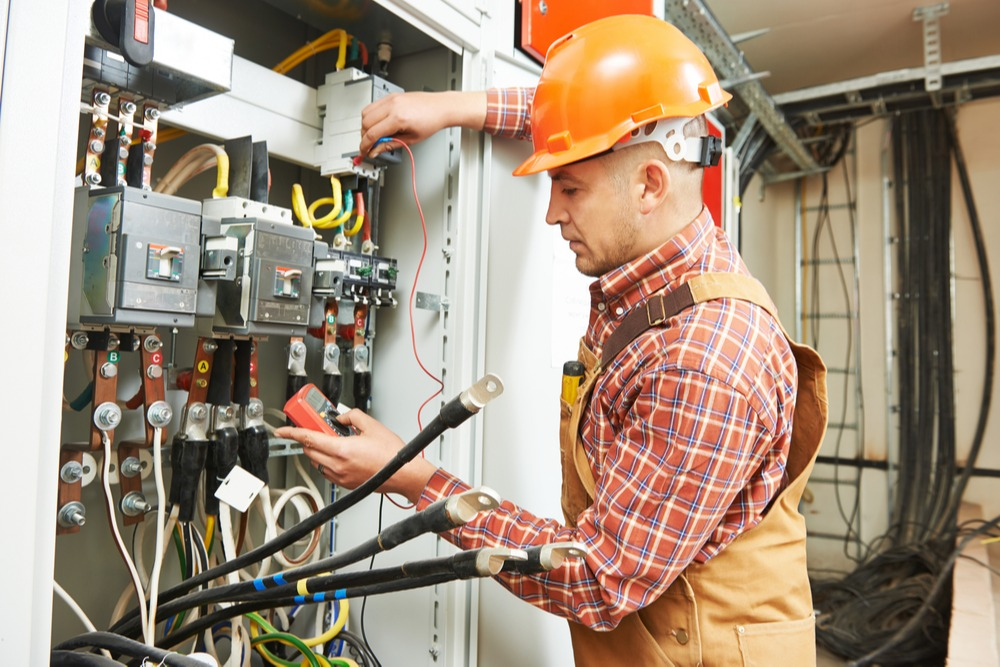 What Positions Can Electricians Fill in the Oil and Gas Industry and How Do You Get Them?
