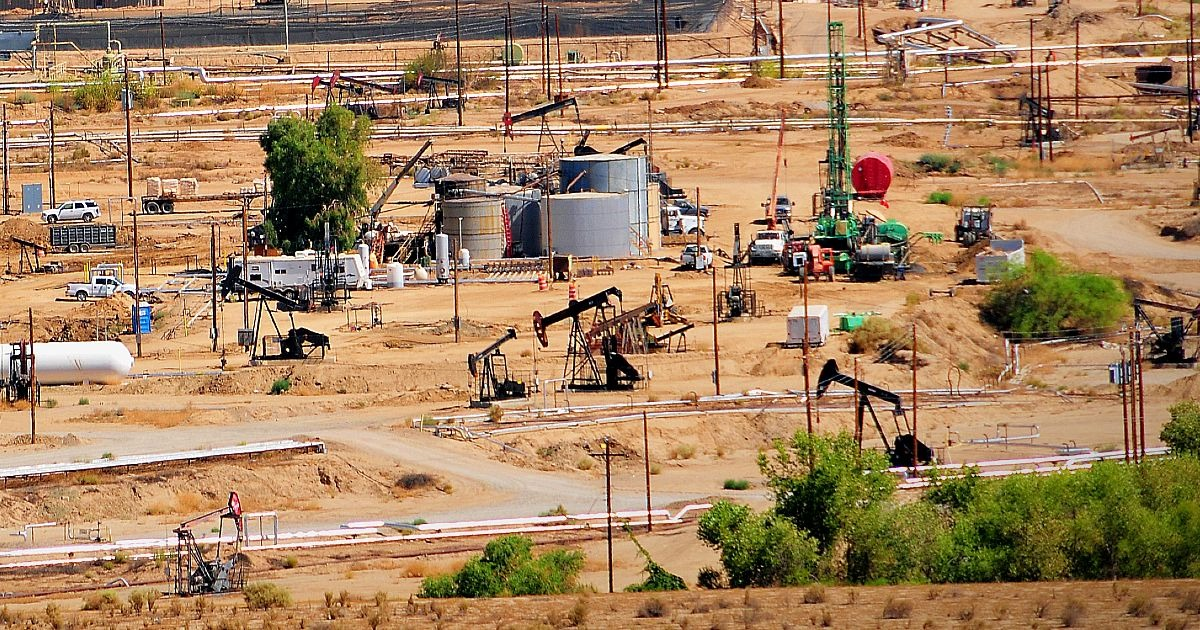 How to Find an Entry-Level Oilfield Job in California