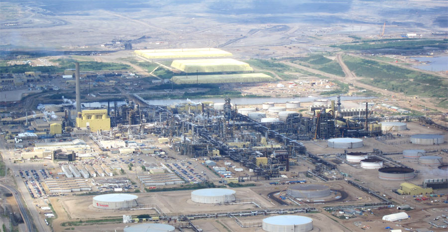 Oil-Sands Outage Sparks US Shortage Fears