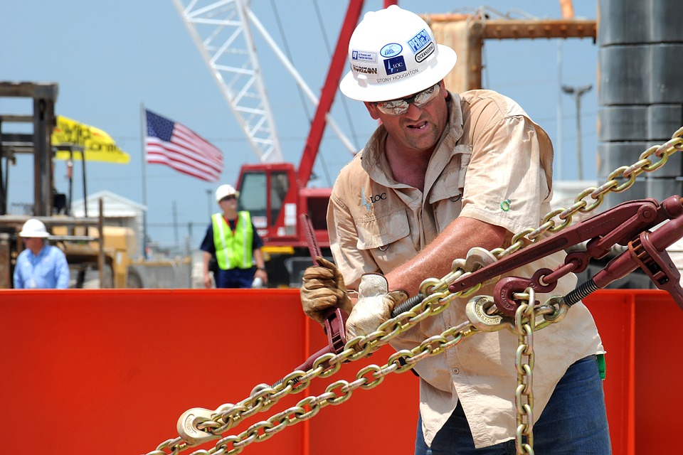 Oil's New Technology Spells End of Boom for Roughnecks