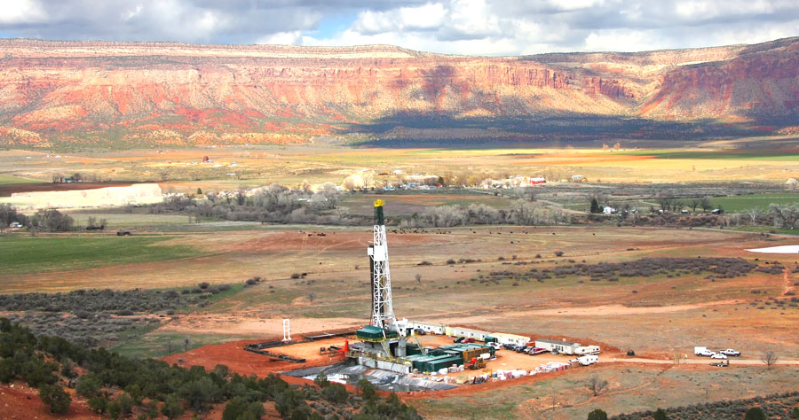 Longshot Oil Riches Draw 'Wildcatters' to the Utah Desert