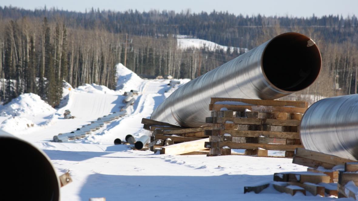 Alberta Imposes Mandatory Oil Production Cuts