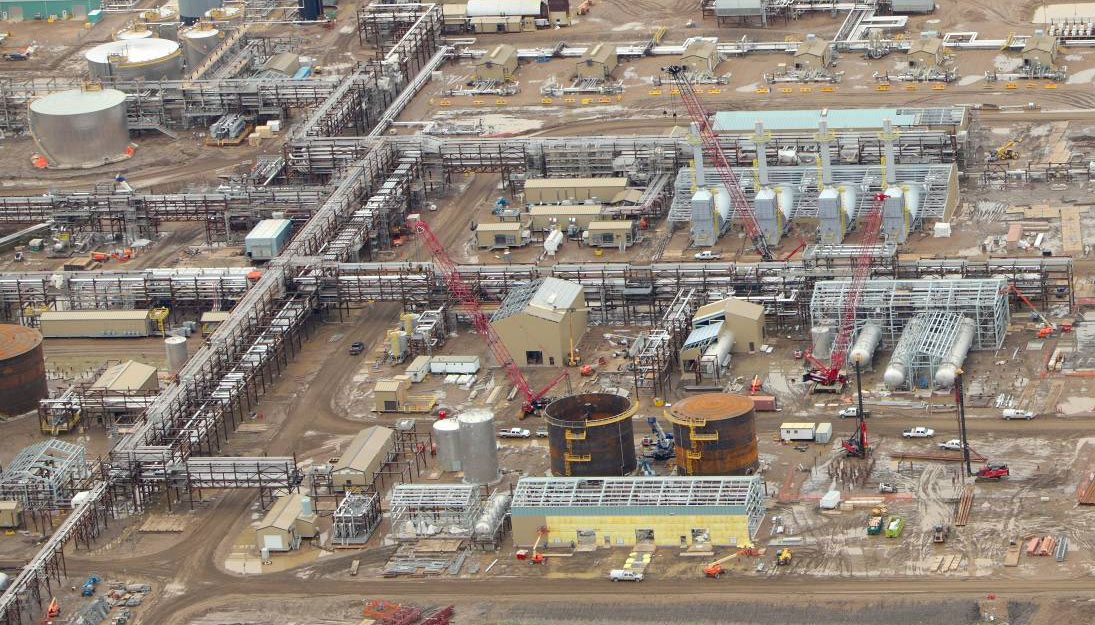 Canadian Oil Sand Producers Throw New Tech at Old Foe