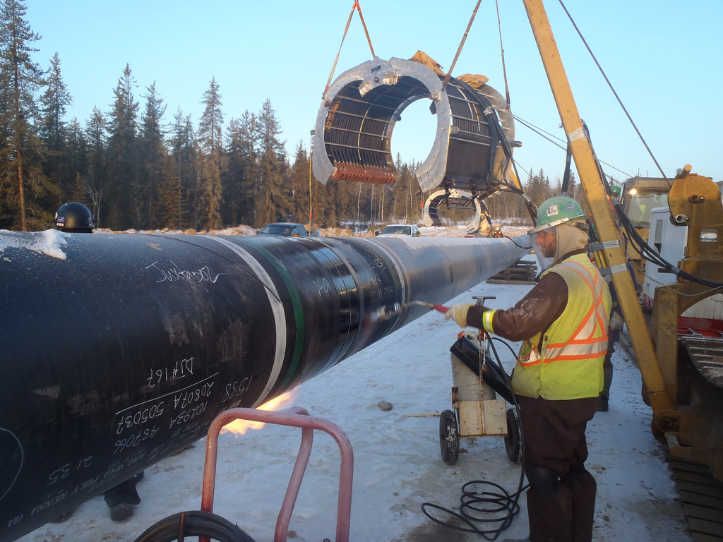 Regulator Backs Canada's Trans Mountain Pipeline Expansion