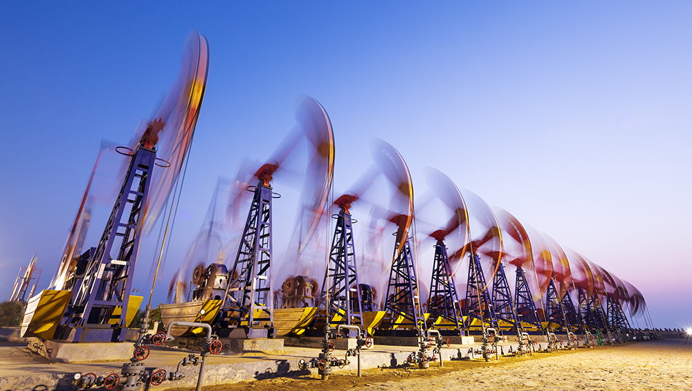 US Drillers Add Oil Rigs for 12th Straight Week